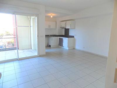 Appartement Cannes La Bocca T2 de 50 m2 - centre ville - RECENT